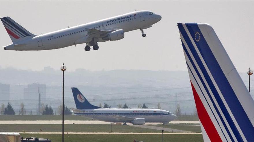 Francia pide que Argentina aclare el arresto de tripulantes de Air France