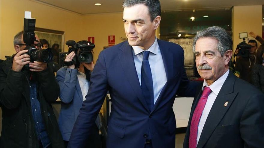 Revilla ve posibilidades de que Pedro Sánchez sea presidente del Gobierno