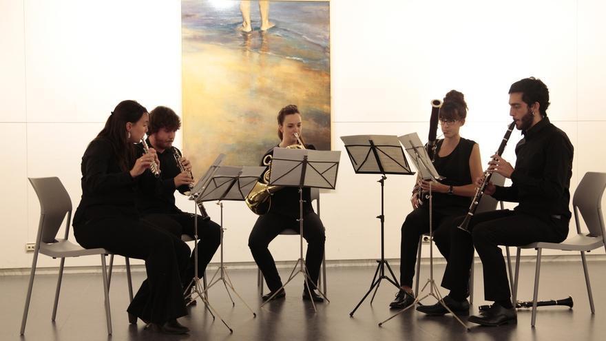 La Casa de Cultura de Aoiz acoge este domingo un café-concierto