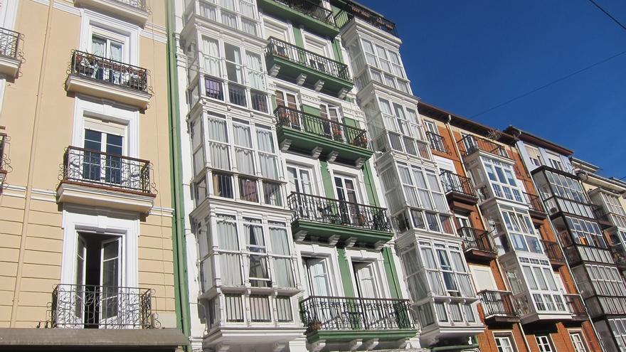 El precio de la vivienda usada cae un 0,2% en Cantabria en 2017, según idealista