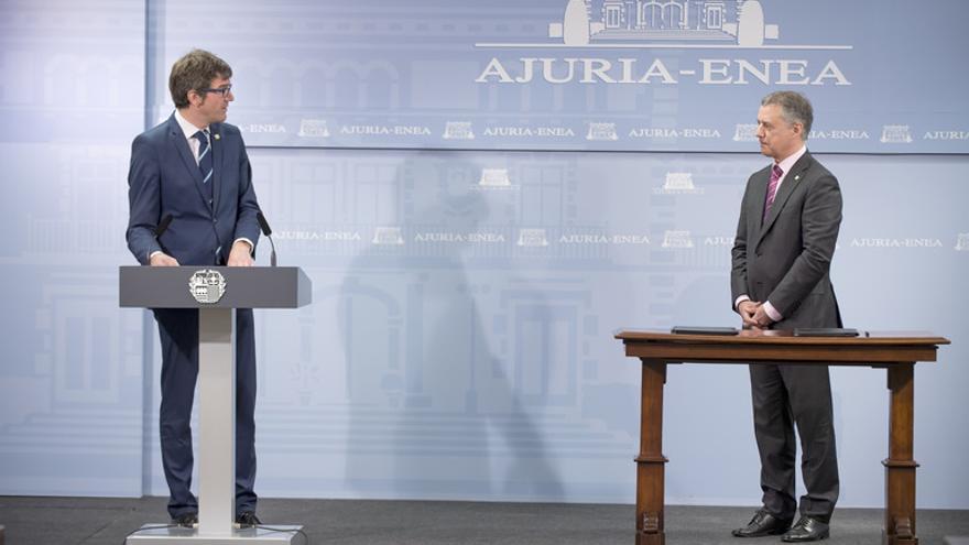 Gorka Urtaran e Iñigo Urkullu, tras la firma