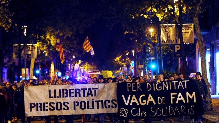 Unas 150 personas han cortado la Diagonal en una protesta de CDR en Barcelona