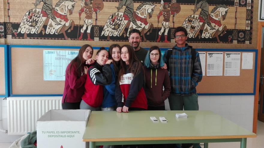 Alumnos de IES Rector Francisco Sabater de Cabezo de Torres trabajando en el proyecto eTwinning
