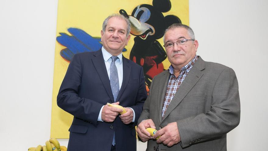 En la imagen, el presidente de Asprocan, Santiago Rodríguez, y el consejero delegado de The Walt Disney Company en España y Portugal, Simón Amselem.