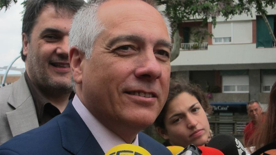 """Pere Navarro (PSC) defiende en Bruselas que la """"solución apropiada"""" para Cataluña es la federal"""