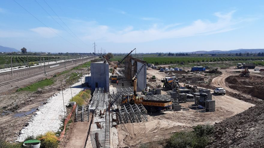 Adif AV adjudica el suministro de desvíos para las obras de conexión de las líneas Madrid-Sevilla y Córdoba-Málaga