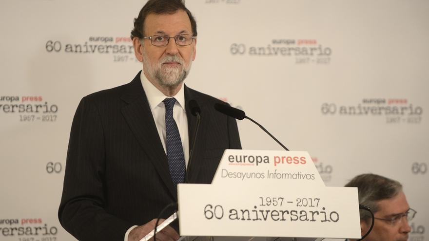 """Rajoy avisa a Cs que sin el PP es """"imposible"""" un Gobierno constitucionalista: """"El voto a Albiol es muy útil"""""""