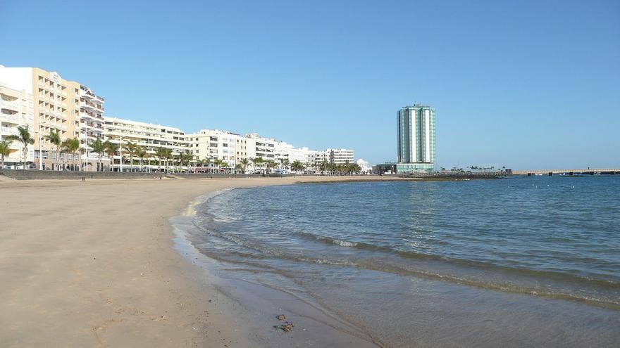 Playa del Reducto, el gran espacio playero urbano de Arrecife. Paul Stephenson