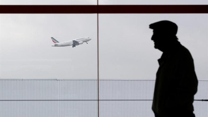 Air France cancelará más del 20 % de sus vuelos mañana por la huelga interna