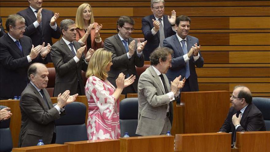 Herrera afronta su quinto mandato al frente de la Junta sin mayoría absoluta