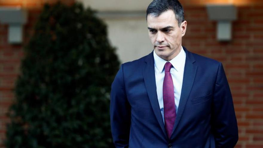 Sánchez viaja este lunes a Barcelona y reclama a Torra que condene violencia