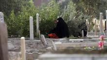 """El ISIS lapida a 21 personas en Mosul, entre ellas una mujer, por """"prostitución"""""""