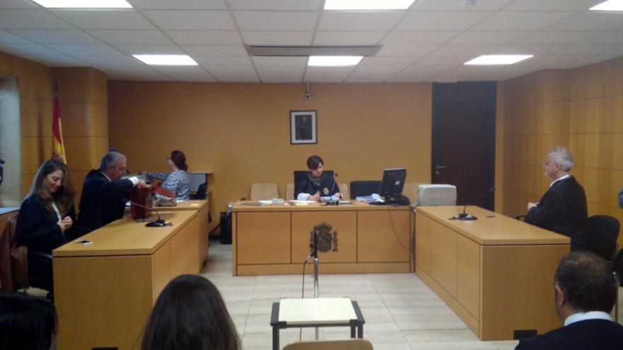 Segunda sesión de la causa civil del caso de Las Teresitas, en el Palacio de Justicia de la capital tinerfeña