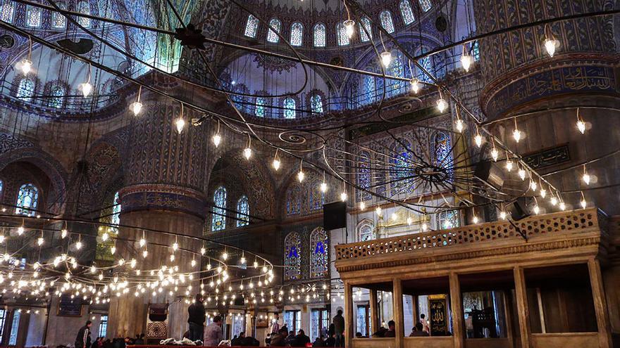 Interior de la Mesquita Blava