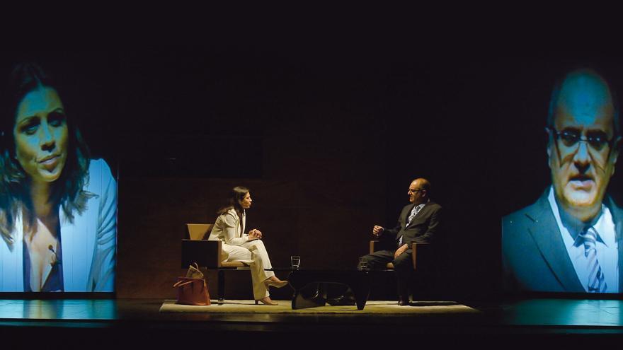 Una escena de 'Desclasificados', protagonizada por Alicia Borrachero, Jordi Rebellón y Joaquín Climent.