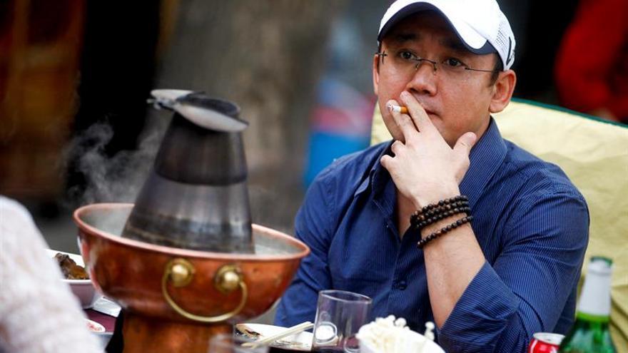 """La OMS pide a Pekín que instaure su """"exitosa"""" ley antitabaco a nivel nacional"""
