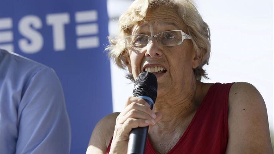 """Carmena, """"honrada"""" de que Madrid impulse un plan de ayuda jurídica a los refugiados"""