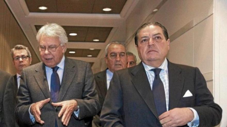 Felipe González, junto a Vicente Boluda en una visita del expresidente a la Asociación Valenciana de empresarios.