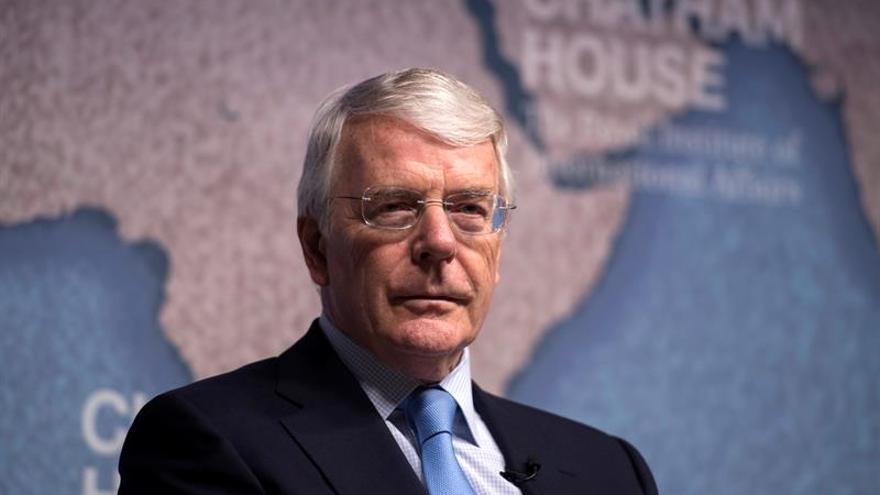 John Major teme que un pacto con el DUP dañe el proceso de paz norirlandés