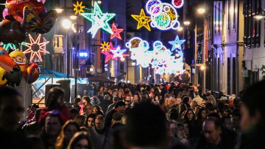 Aspecto de las calles de la La Laguna durante la última edición de la Noche en Blanco./ Pepe Torres