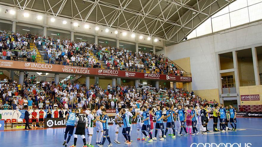 Grada de Vista Alegre lleno en un partido de fútbol sala | MADERO CUBERO