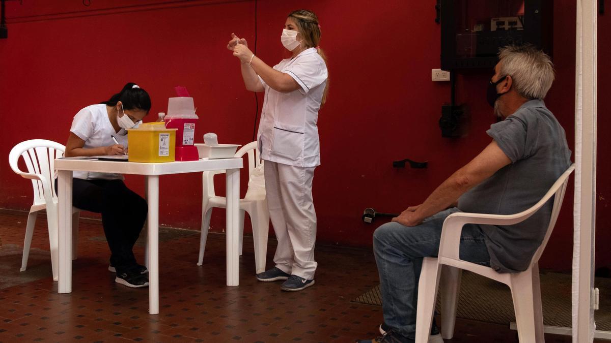Sólo con su DNI, los mayores de 70 pueden vacunarse sin inscripción previa en la provincia de Buenos Aires