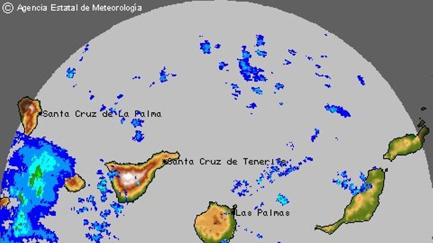 La borrasca atlántica comienza a afectar sobre las islas de La Palma y El Hierro. Imagen: AEMET
