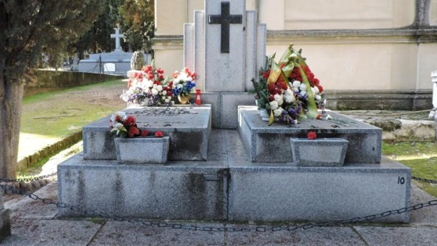 Tumba del dictador croata filonazi y su familia Ante Pavelic, en el cementerio de San Isidro de Madrid.