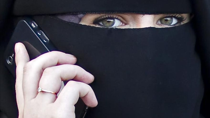 Francia debate si se debe prohibir el velo islámico en la universidad
