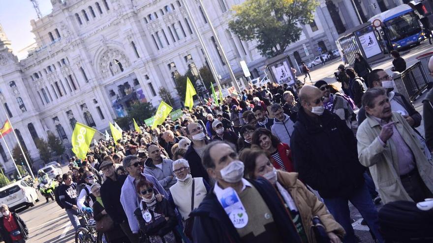 La manifestación de apoyo a Madrid Central sale de Cibeles en dirección a Sol