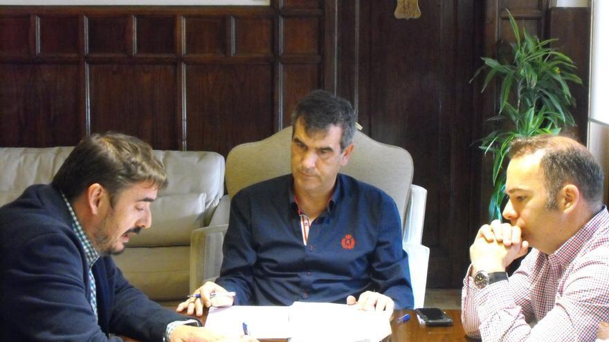 Reunión del alcalde de Guadalajara con el de Marchamalo / Ayuntamiento