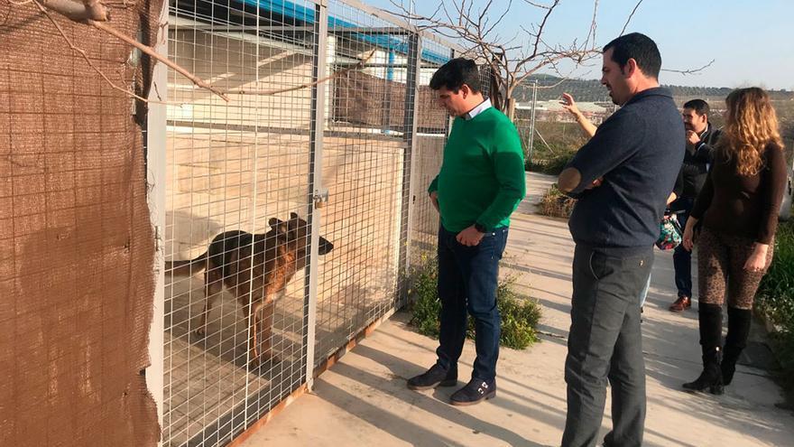 Pedro García visita las instalaciones de El Arca de Noé.