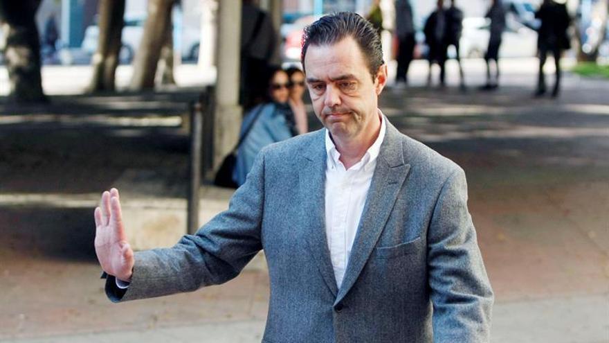 Piden 24 años para el yerno del expresidente de la CAM por matar a su suegra