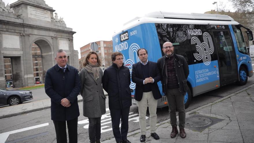 Inauguración de la línea 002 gratuita y cero emisiones. / Ayuntamiento de Madrid