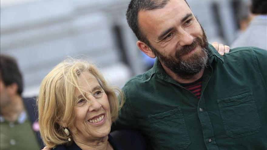 Carmena propone por teléfono a Aguirre debate a seis y con datos consensuados