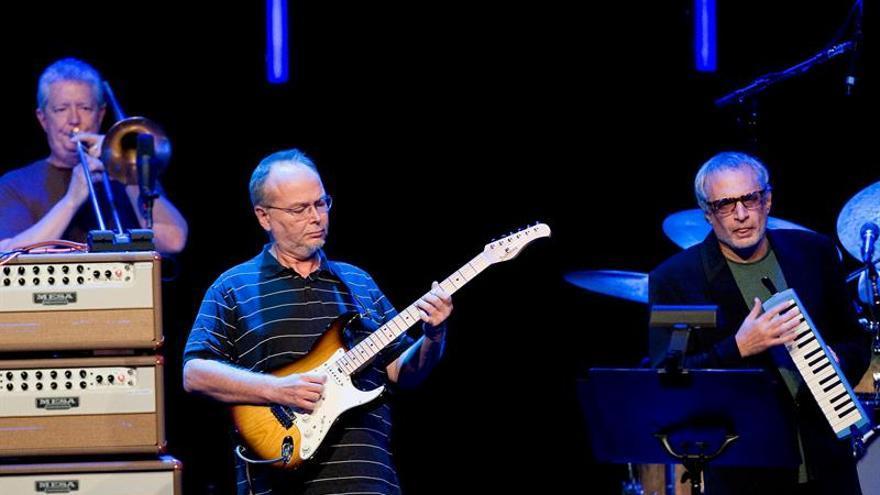 Fallece Walter Becker, guitarrista y cofundador de la banda Steely Dan