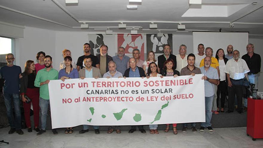 Presentación de la plataforma 'Por un territorio sostenible' en Lanzarote.