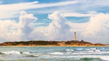 El faro de Trafalgar, uno de los lugares míticos de la Costa de los Atunes. Juan M Molina (CC)