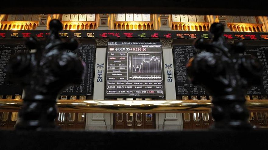 La bolsa española abre prácticamente plana y el IBEX cede el 0,06 por ciento