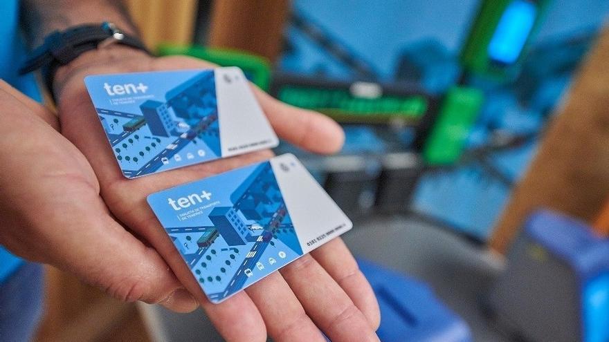Muestra de las tarjetas 'Tenmás' que han sido presentadas en Santa Cruz