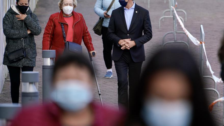 El presidente de la Xunta de Galicia, Alberto Nuñez Feijóo, acude a vacunarse en la Cidade da Cultura de Santiago, a 4 de mayo de 2021, en Santiago de Compostela, A Coruña, Galicia (España).