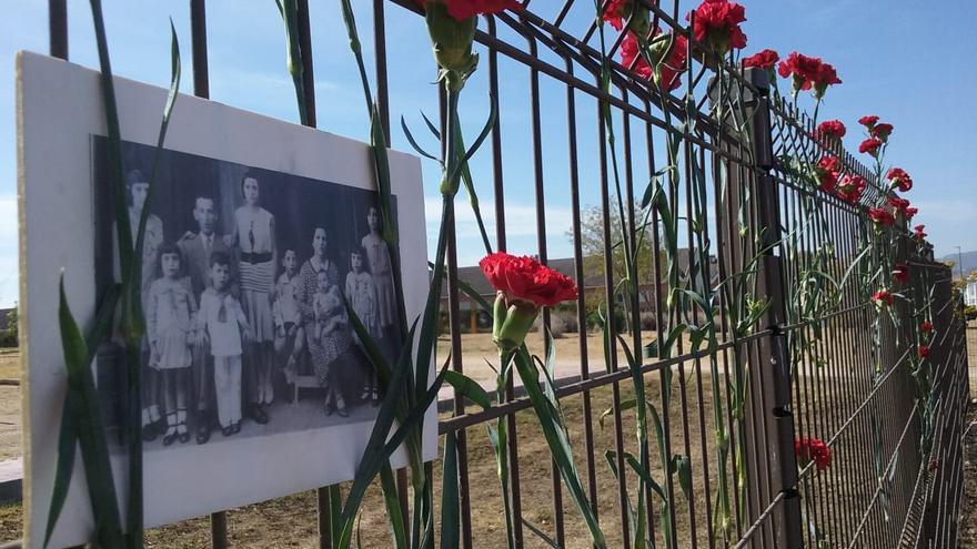 Merida acto represión franquista cementerio