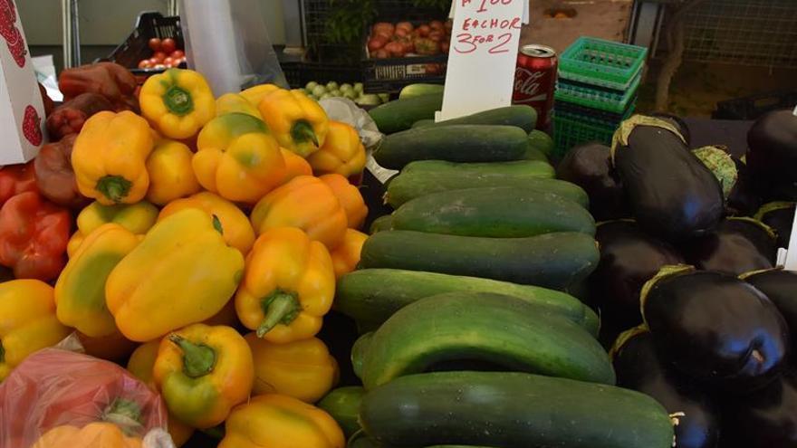 Compras públicas para integrar a los pequeños agricultores en el mercado
