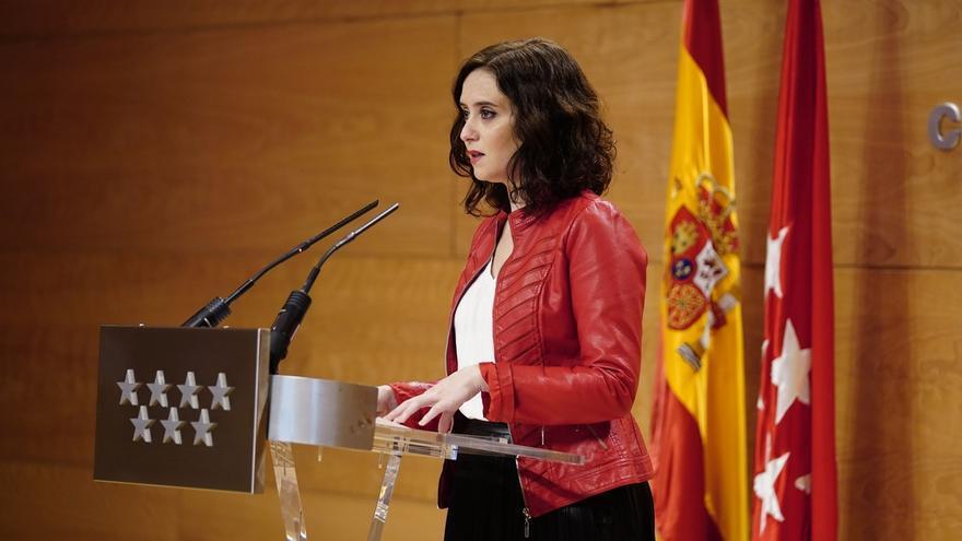 """Ayuso tacha de """"barbaridad"""" los pactos de Sánchez y avisa que acudirá a tribunales si es necesario para defender España"""
