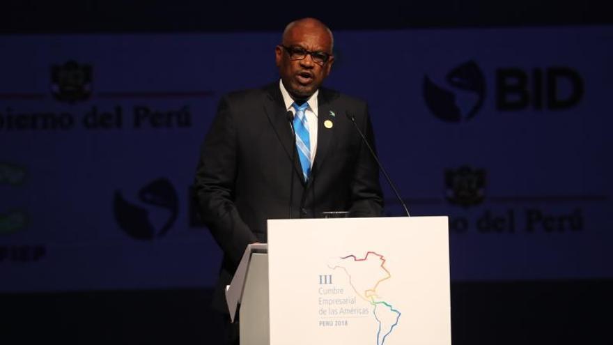 El primer ministro Bahamas anuncia un Día Nacional Duelo por muertos de huracán