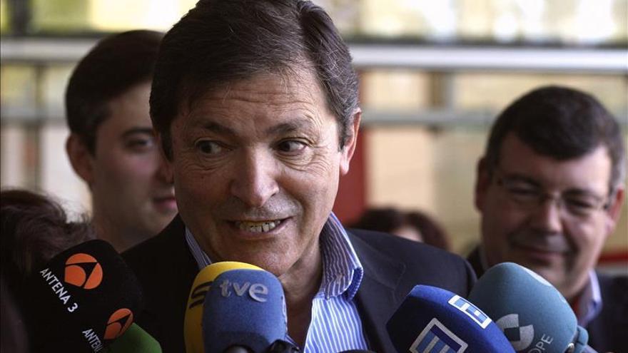 """Javier Fernández aspira a formar un gobierno """"para todos los asturianos"""""""
