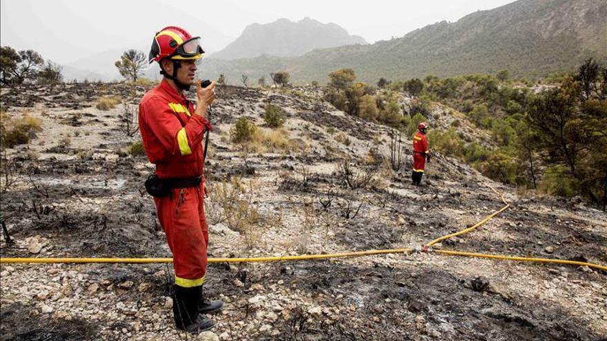 Controlado el incendio en Lorca y estabilizados los tres de Cieza