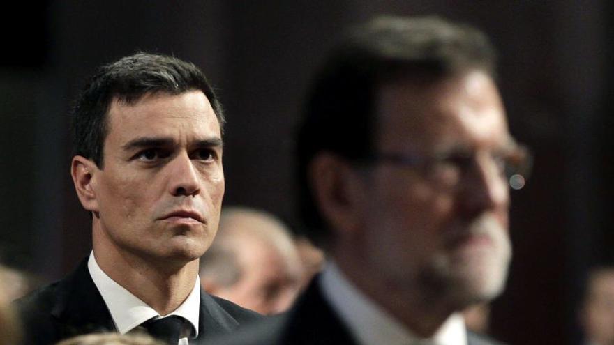 Sánchez, defenestrado, denuncia presiones. Rajoy es presidente del gobierno gracias al PSOE.
