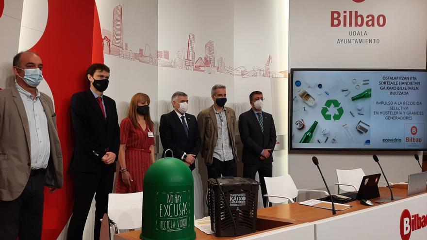 Presentación de una campaña de recogida selectiva de residuos.