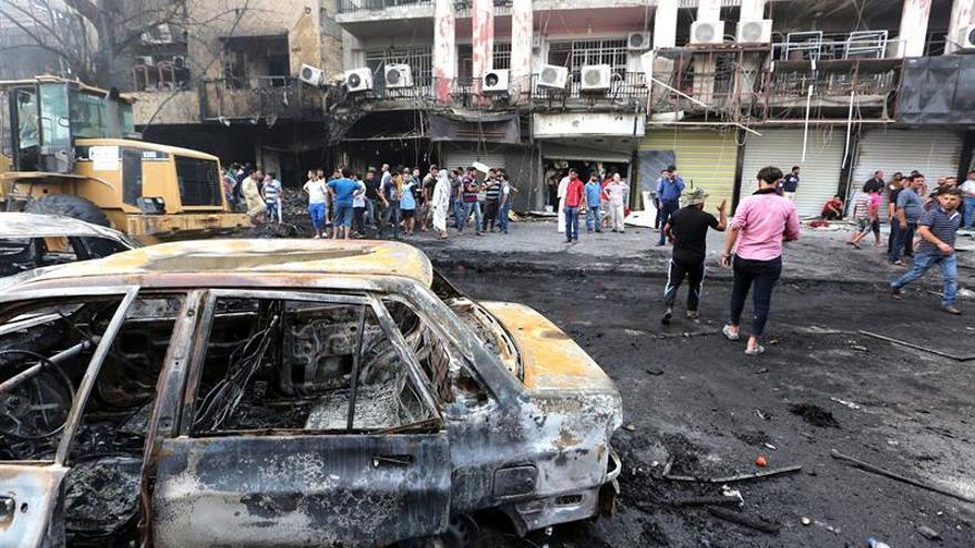 Suben a 180 los fallecidos en atentado suicida del EI en el centro de Bagdad